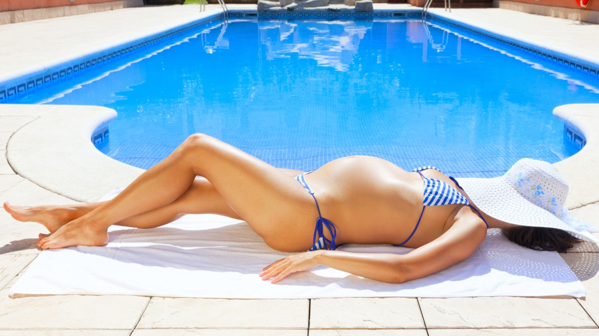 Yaz Sıcaklarında En Acil Alışveriş : Hamile Güneş Kremi